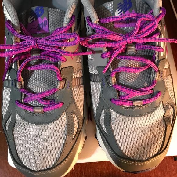 Womens 410v4 Trail Running Shoe Sz 10